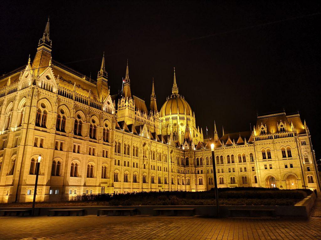 Budapest als Zwischenstopp auf der Reise mit dem Zug von Berlin nach Teheran