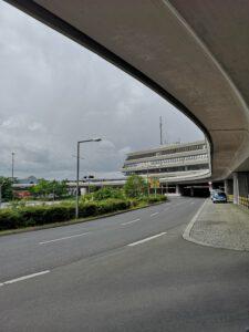 Flughafen-Tegel-Berlin-Schliessung-Eingang