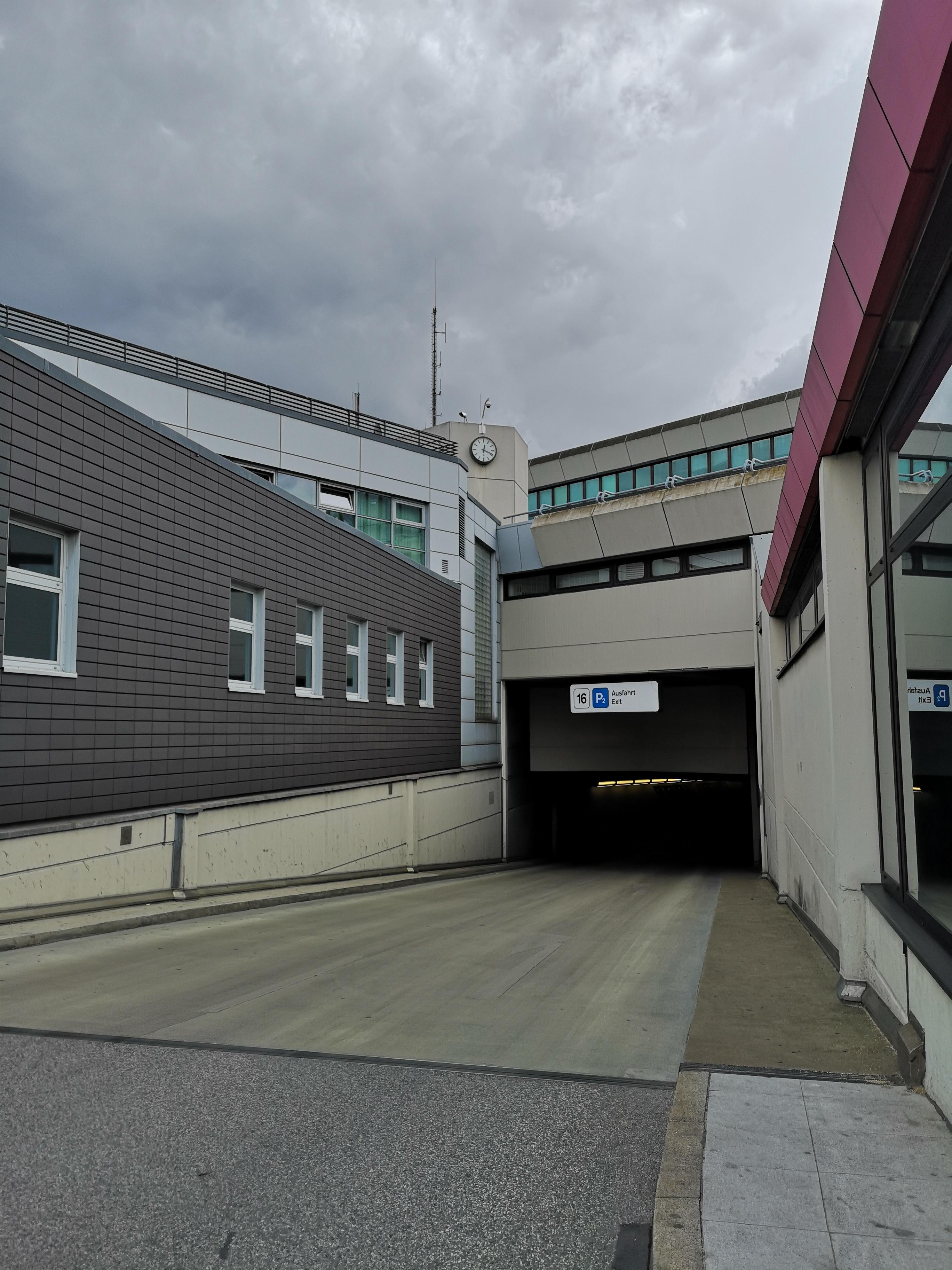 Flughafen-Tegel-Berlin-Schliessung-Exit