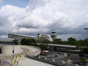 Flughafen-Tegel-Berlin-Schliessung-Parkdeck-Ausblick.