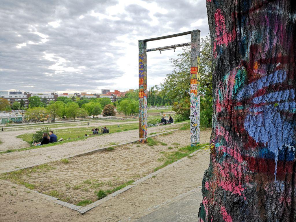 kaputte schaukeln im Mauerpark Berlin coole orte