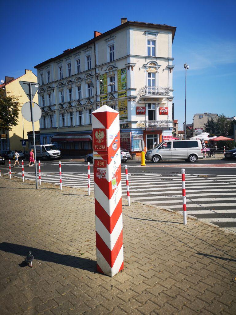 Frankfurt-Oder-Tipps-Grenzstein-Slubice-Polen