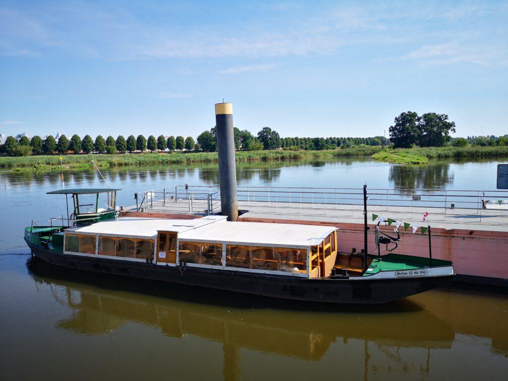 Frankfurt-Oder-Tipps-Kahnfahrt-Dampferfahrt-auf-der-Oder-Bootsfahrt
