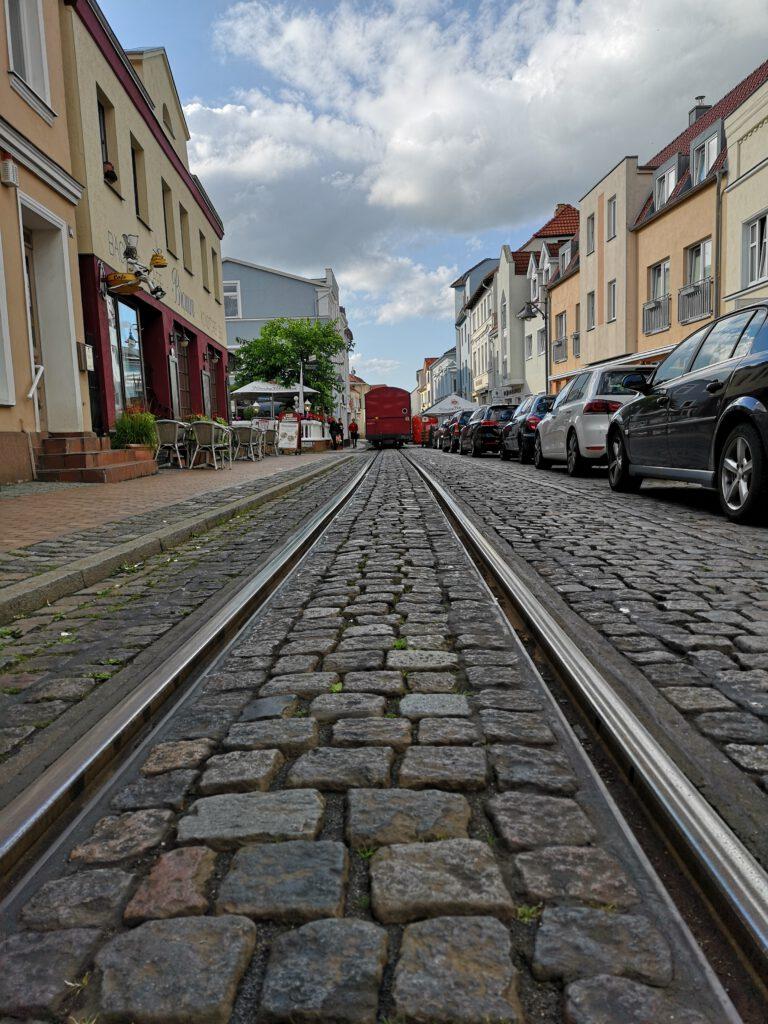 Kuelungsborn-Urlaub-Ausflug-Bad-Doberan-Molli-Abfahrt-Innenstadt