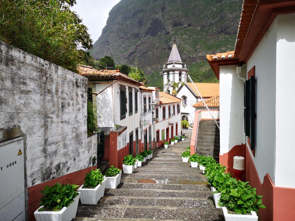 Madeira-Tipps-Sao-Vincente-Kirche-und-Ortskern