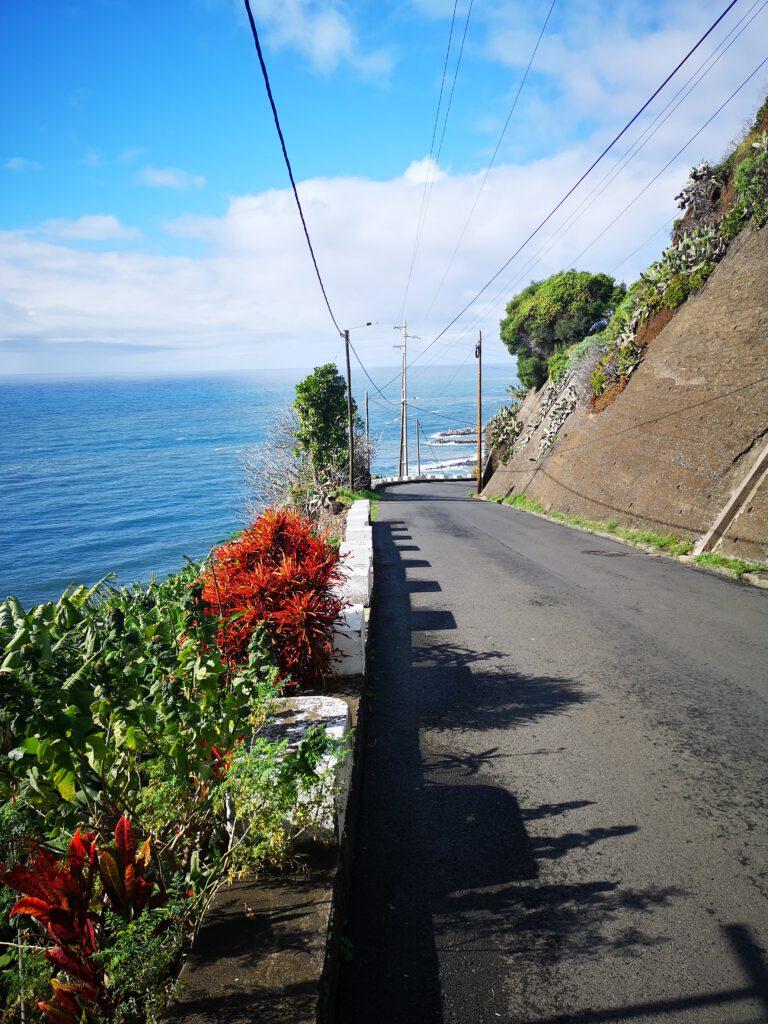 Madeira-Tipps-Strasse-nach-Calheta-Beach